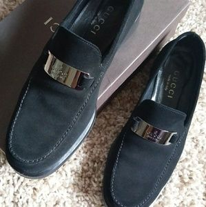 Authentic Gucci Monogram ID Tag Loafers